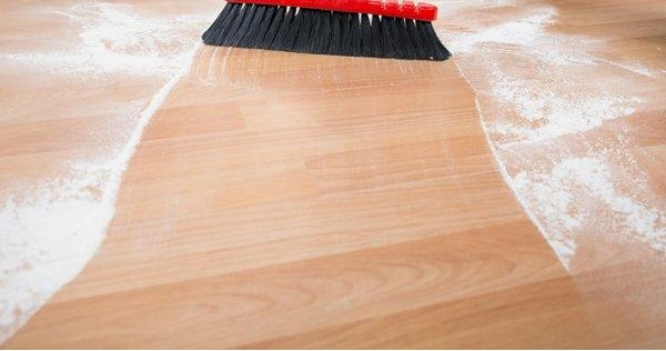 Best electric broom for laminate floors