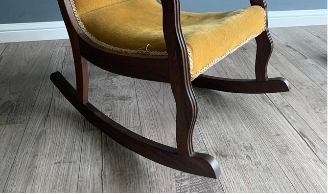 Will A Rocking Chair Scratch Wood Floors, How To Protect Wooden Floors From Furniture Scratches